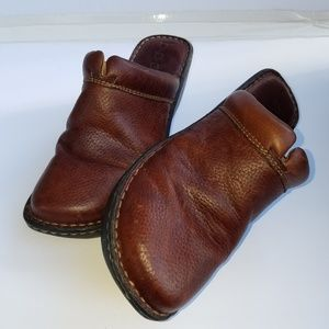 BOC brown mule clog
